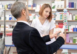 Ponadto należy zaproponować panu Stefanowi silny lek z grupy NLPZ (fot. Shutterstock).
