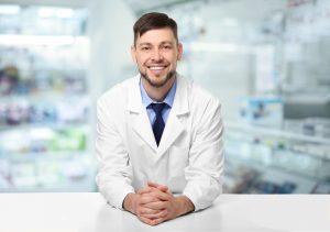 Najważniejszym zadaniem farmaceuty prowadzącego przegląd lekowy jest zdobycie informacji na temat zastosowanego leczenia (fot. Shutterstock).
