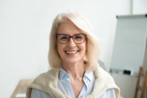 """Pani Julia """"pożyczyła"""" furosemid od sąsiadki, w związku z opuchniętymi kostkami (fot. Shutterstock)."""