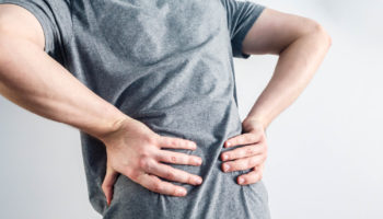 Ze względu na zwiększanie wchłaniania tiaminy przez pokarm, lek należy przyjmować po posiłku (fot. Shutterstock).